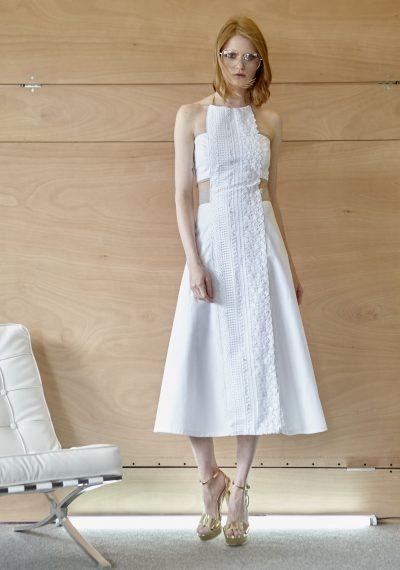 Φόρεμα λευκό, πικέ, με δαντέλα εμπρός και άνοιγμα στην πλάτη