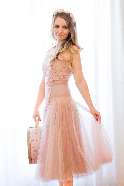 Cocktail τούλινο φόρεμα με βαμβακερή δαντέλα και φουρό