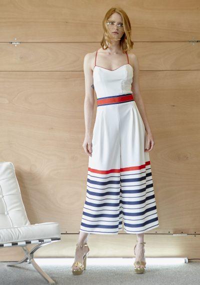 Navy φόρμα με κόκκινη ζώνη