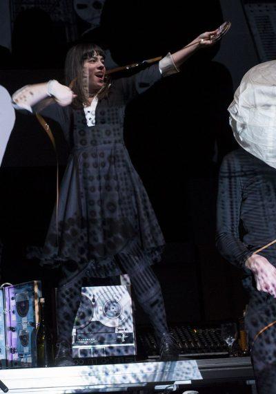 Στα υπόγεια του BBC Λουίζα Κωστούλα - Ενδυματολόγος Λίλιαν Ξυδιά